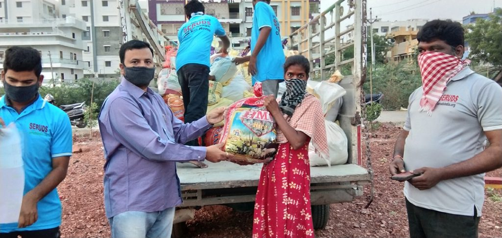 Donate COVID-19 Relief Food and Grocery Kits to Daily Wage Earners in India