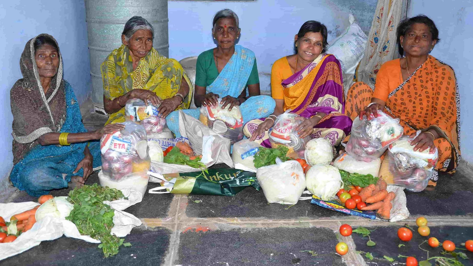 Donate Food Groceries to Poor Old Age People through SERUDS Kurnool NGO